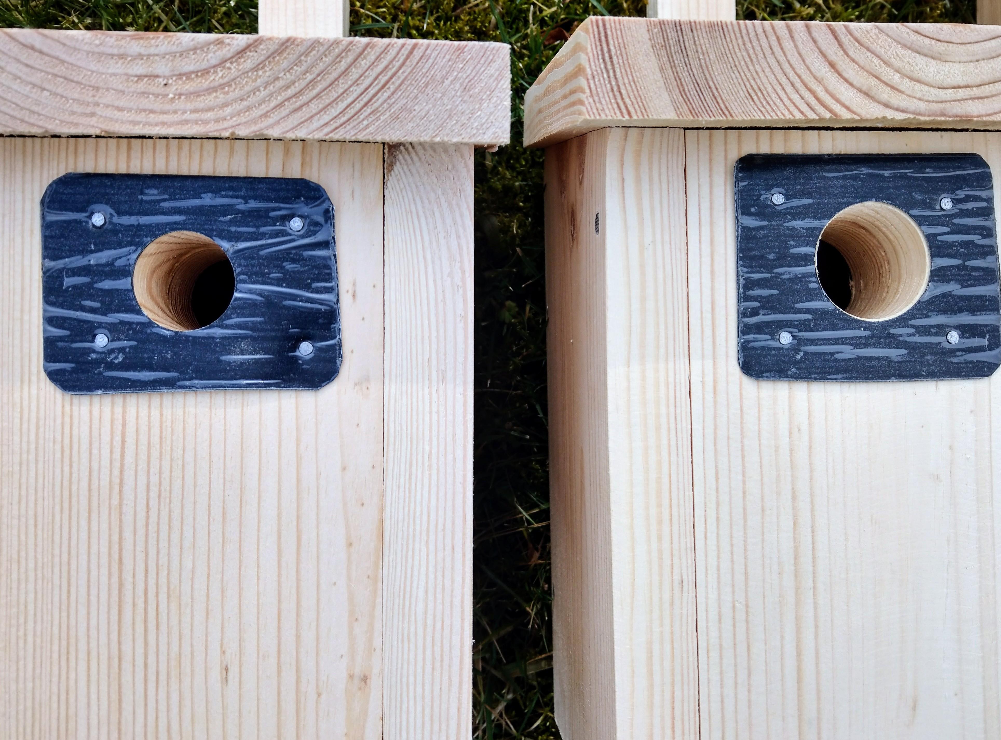Od lewej: budka typu A1, typu A, typu B, każda otwierana od przodu.